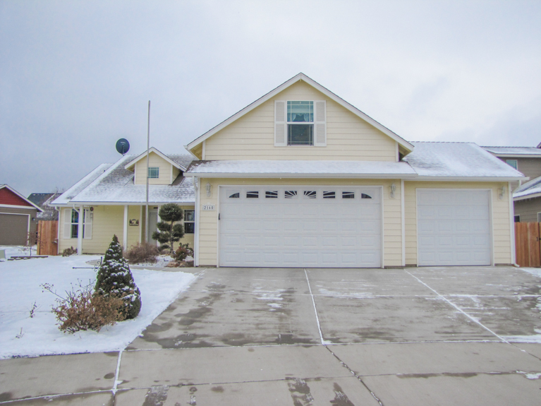 2160 NW Spruce CT (1 of 24)