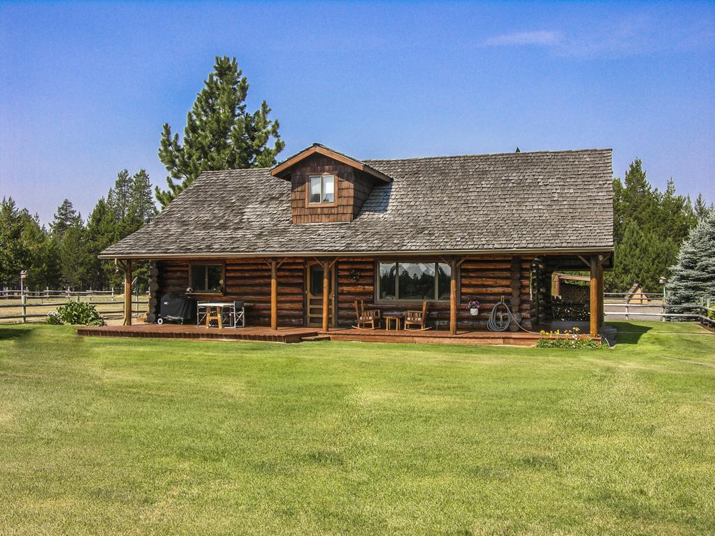 Custom Log Cabin on 5 Acres!
