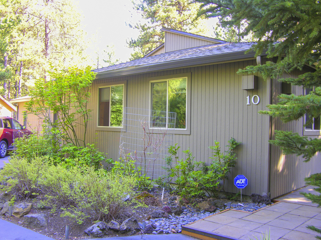 Nicely Updated Sunriver Home!