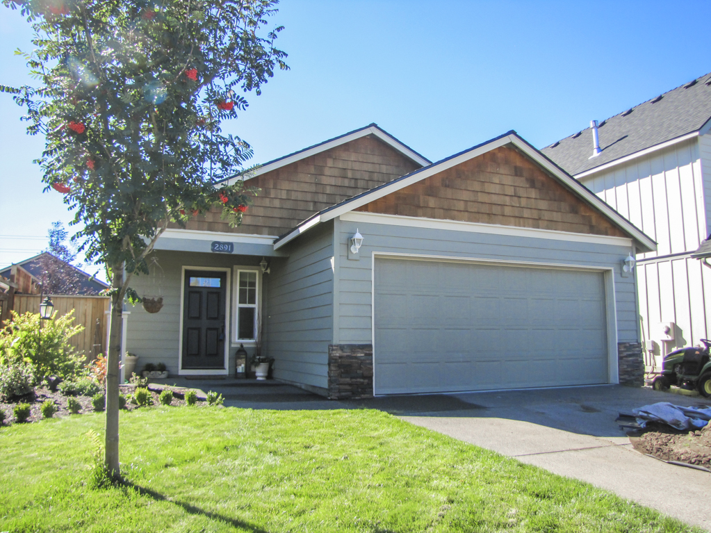 Single Level Home For Sale on Bend's East Side!