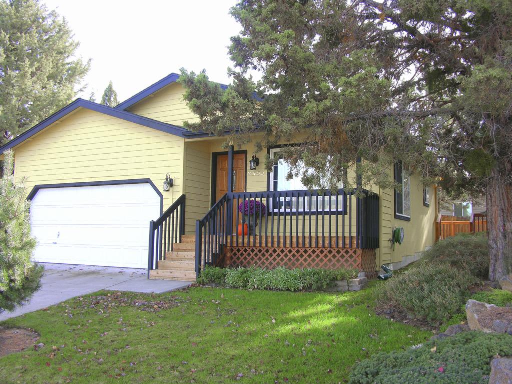 Super Charming Bend Eastside Cottage!
