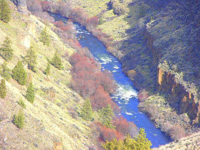 Spectacular Deschutes River Gorge and Cascade Views!