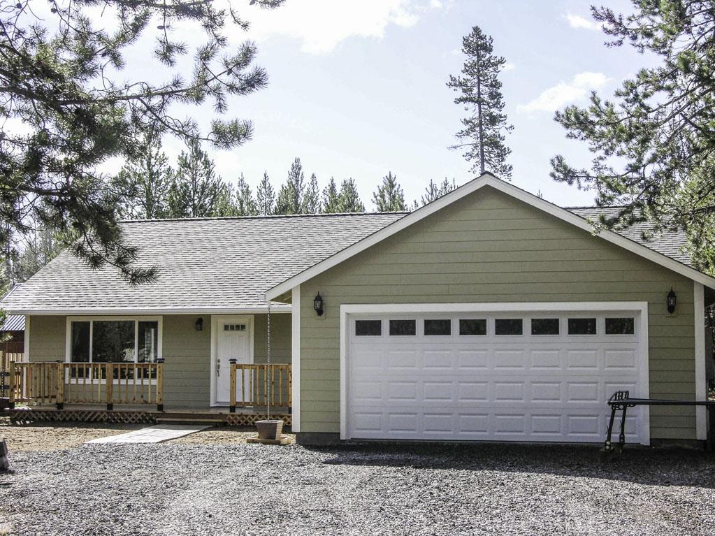Builder's Own New 2013 Built Custom Home on Half Acre!