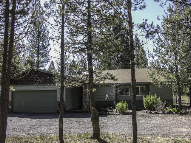 Sunriver Area Custom Ranch Style Home on 1 Acre.
