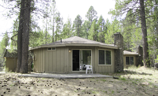 Great Investment on the way to Bachelor and near Sunriver!