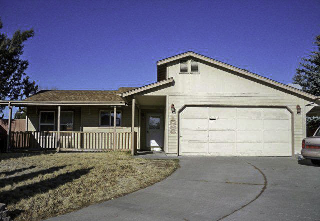 Affordable NE Bend Single Level Home in a Great Cul-De-Sac Location!