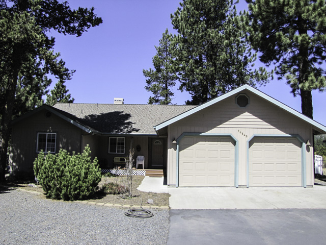 Move-in ready single level home with excellent privacy and a setting as good as any in Central Oregon!
