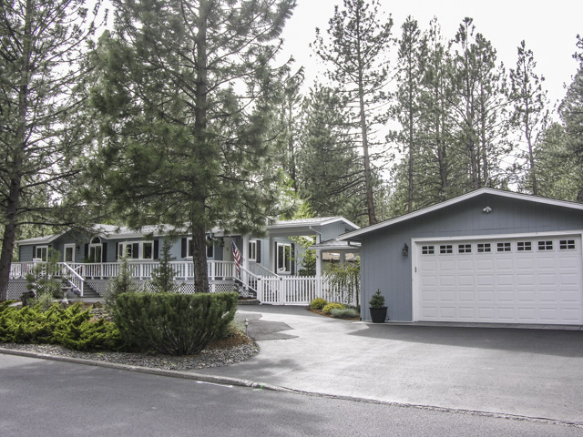 PENDING | Beautifully Maintained Ranch Style Bend Home on Half-Acre!