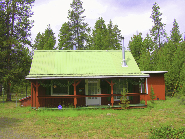 Custom Cabin Get-Away in the Pines Remodeled in 2014!